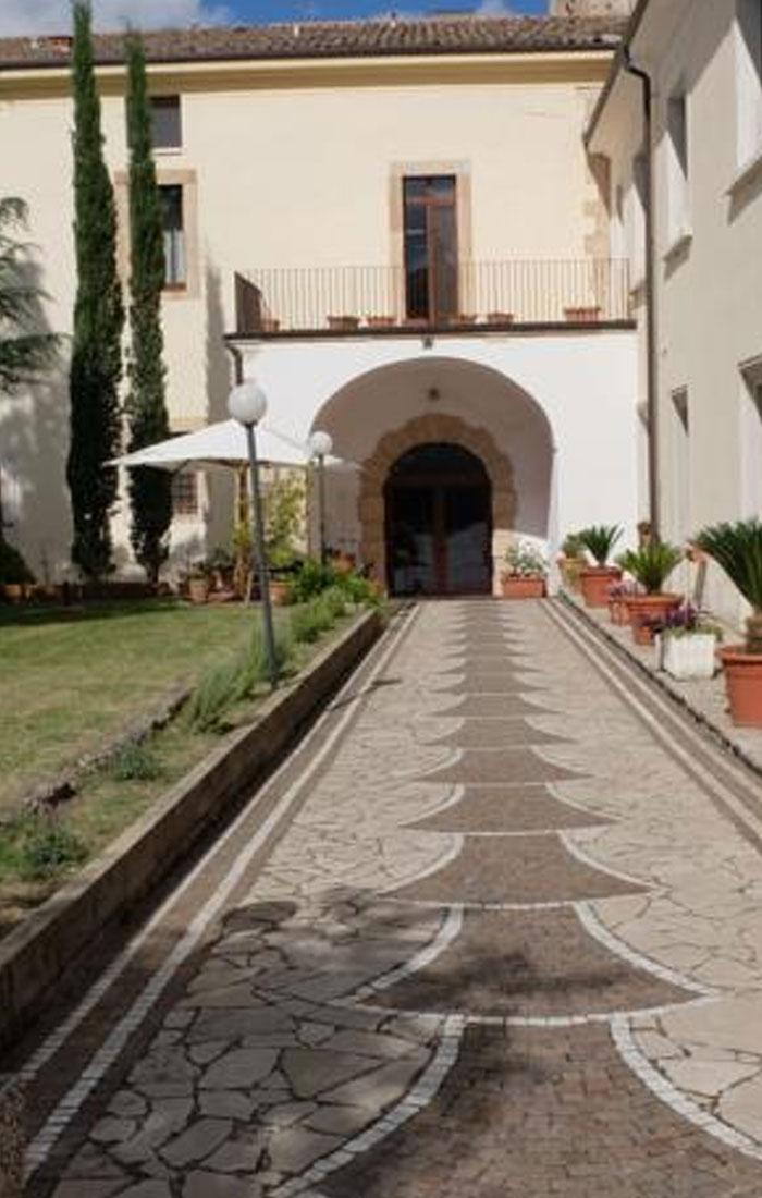 esterno-1-hostel-il-tetto-ostello-alloggio-camera-vacanza-dormire-melfi-potenza-basilicata