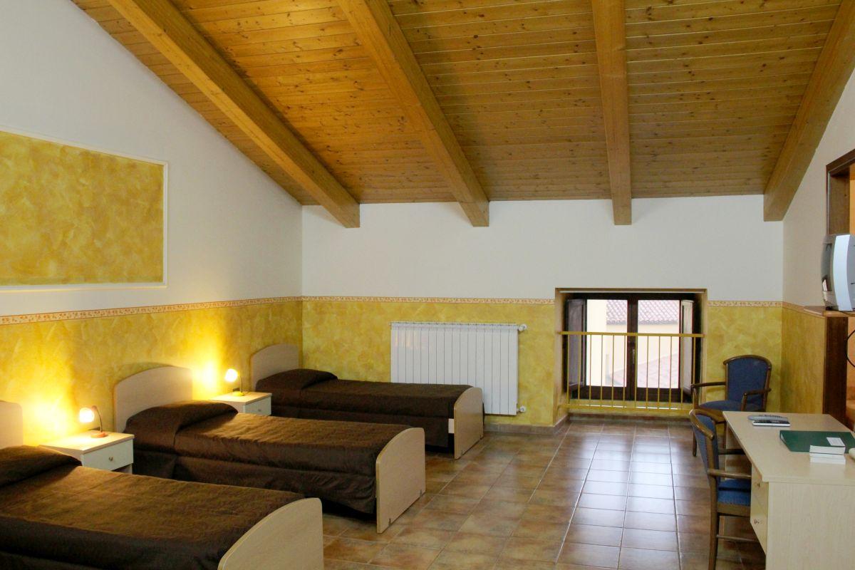 galleria immagini-hostel-il-tetto-ostello-alloggio-camera-vacanza-dormire-melfi-potenza-basilicata (47)