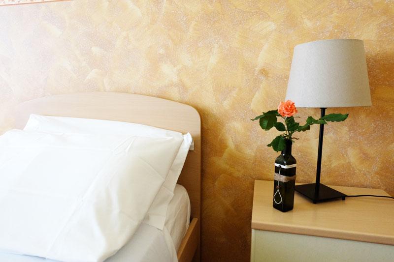 camera-letto-8-hostel-il-tettomelfi-ostello-dormire-soggiorno-vacanze-basilicata