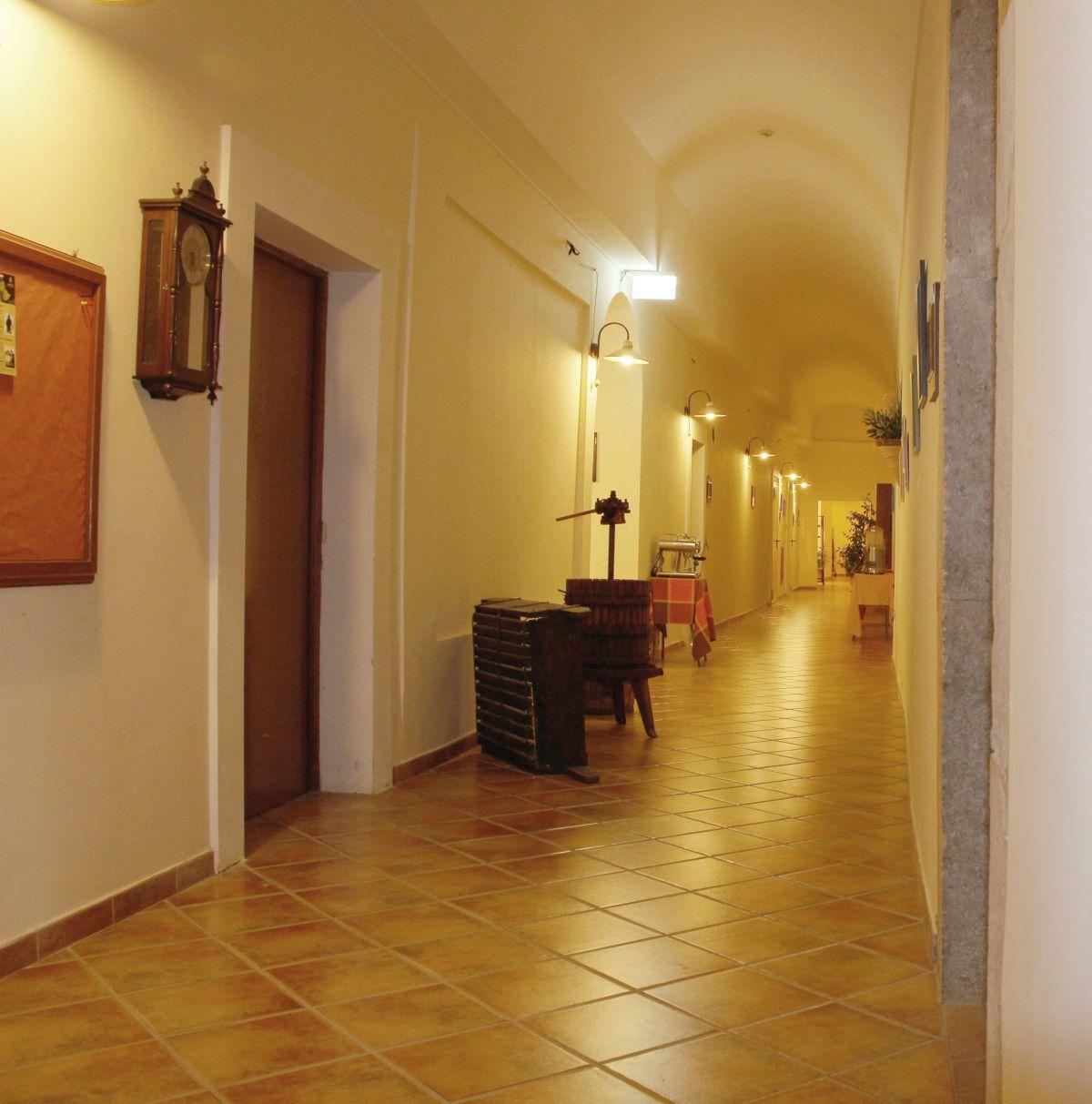 galleria immagini-hostel-il-tetto-ostello-alloggio-camera-vacanza-dormire-melfi-potenza-basilicata (30)