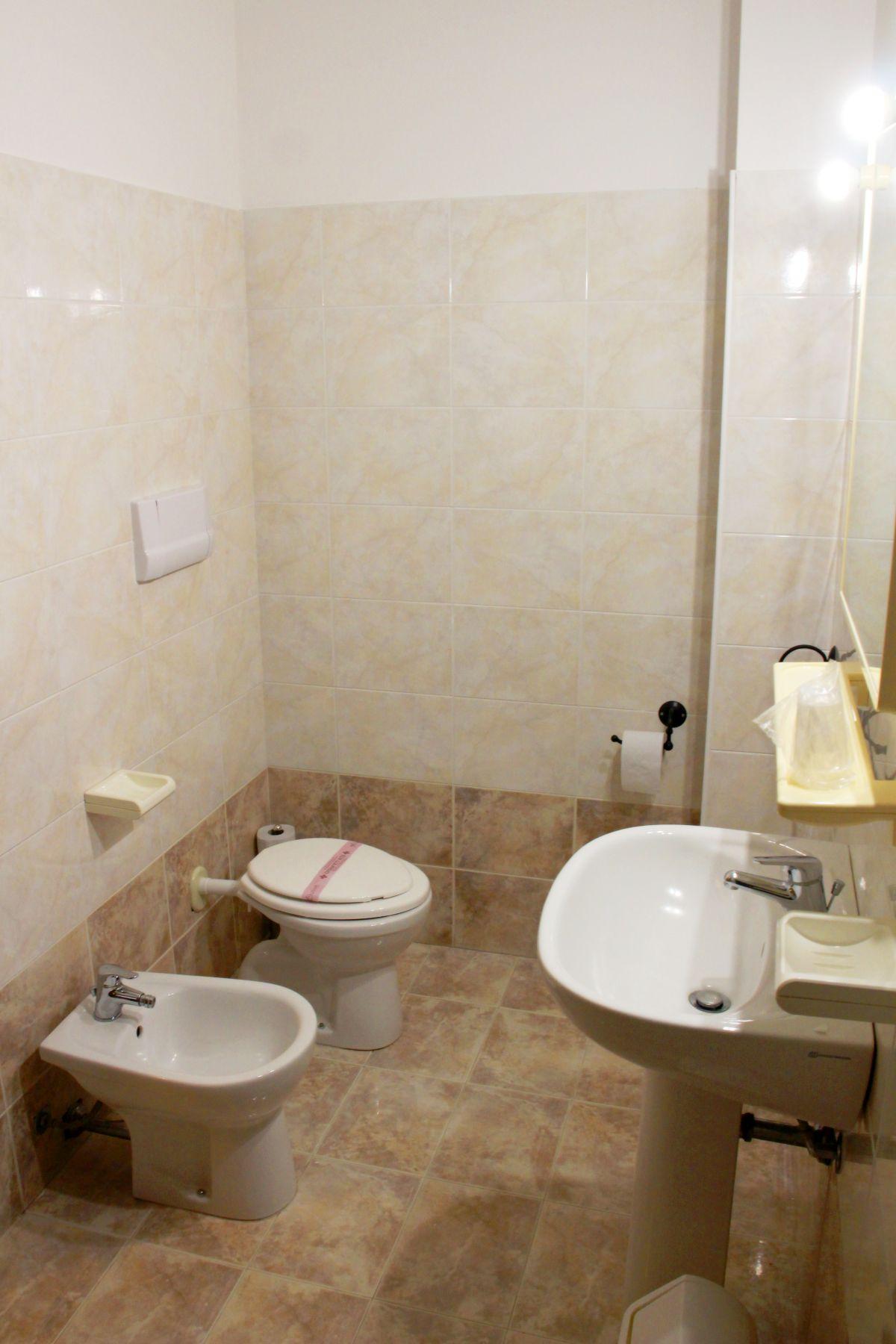 galleria immagini-hostel-il-tetto-ostello-alloggio-camera-vacanza-dormire-melfi-potenza-basilicata (42)