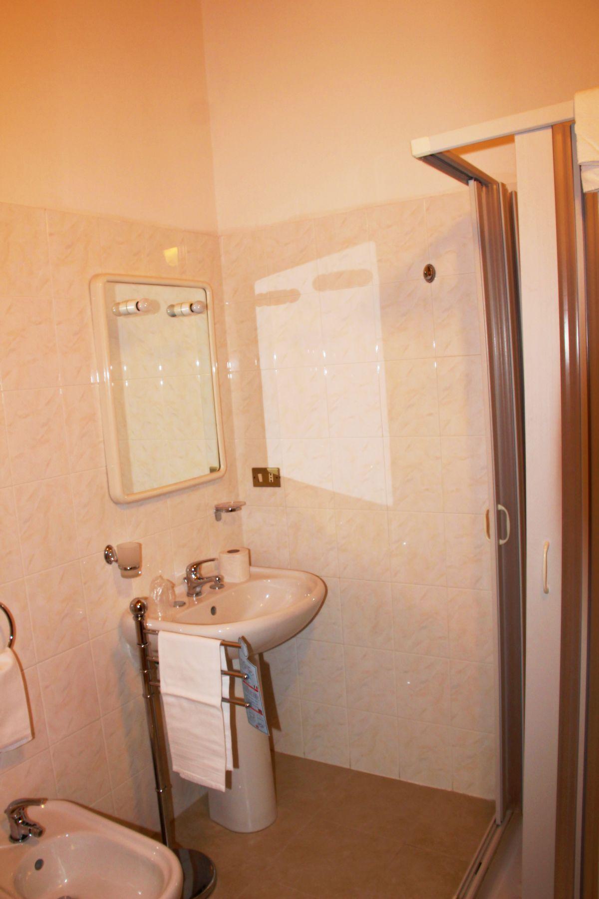 galleria immagini-hostel-il-tetto-ostello-alloggio-camera-vacanza-dormire-melfi-potenza-basilicata (50)