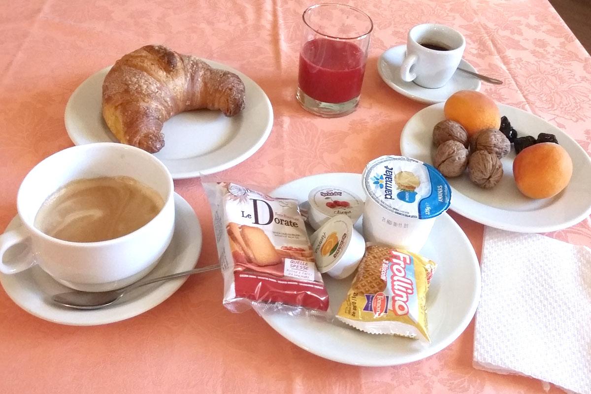 colazione-6-hostel-il-tetto-ostello-alloggio-camera-vacanza-dormire-melfi-potenza-basilicata