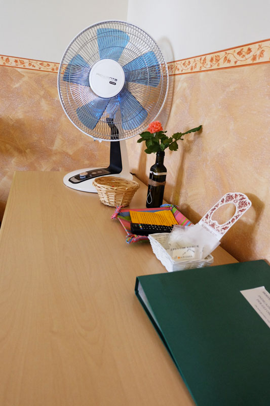 camera-letto-5-hostel-il-tettomelfi-ostello-dormire-soggiorno-vacanze-basilicata