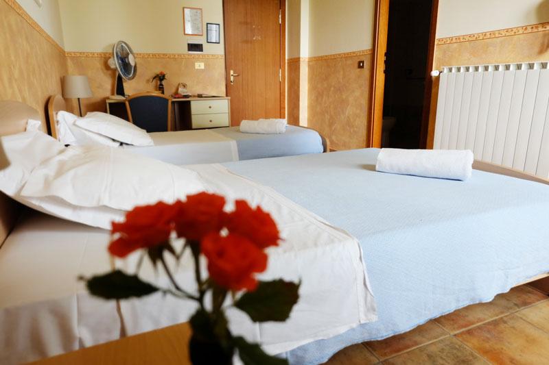 camera-letto-6-hostel-il-tettomelfi-ostello-dormire-soggiorno-vacanze-basilicata