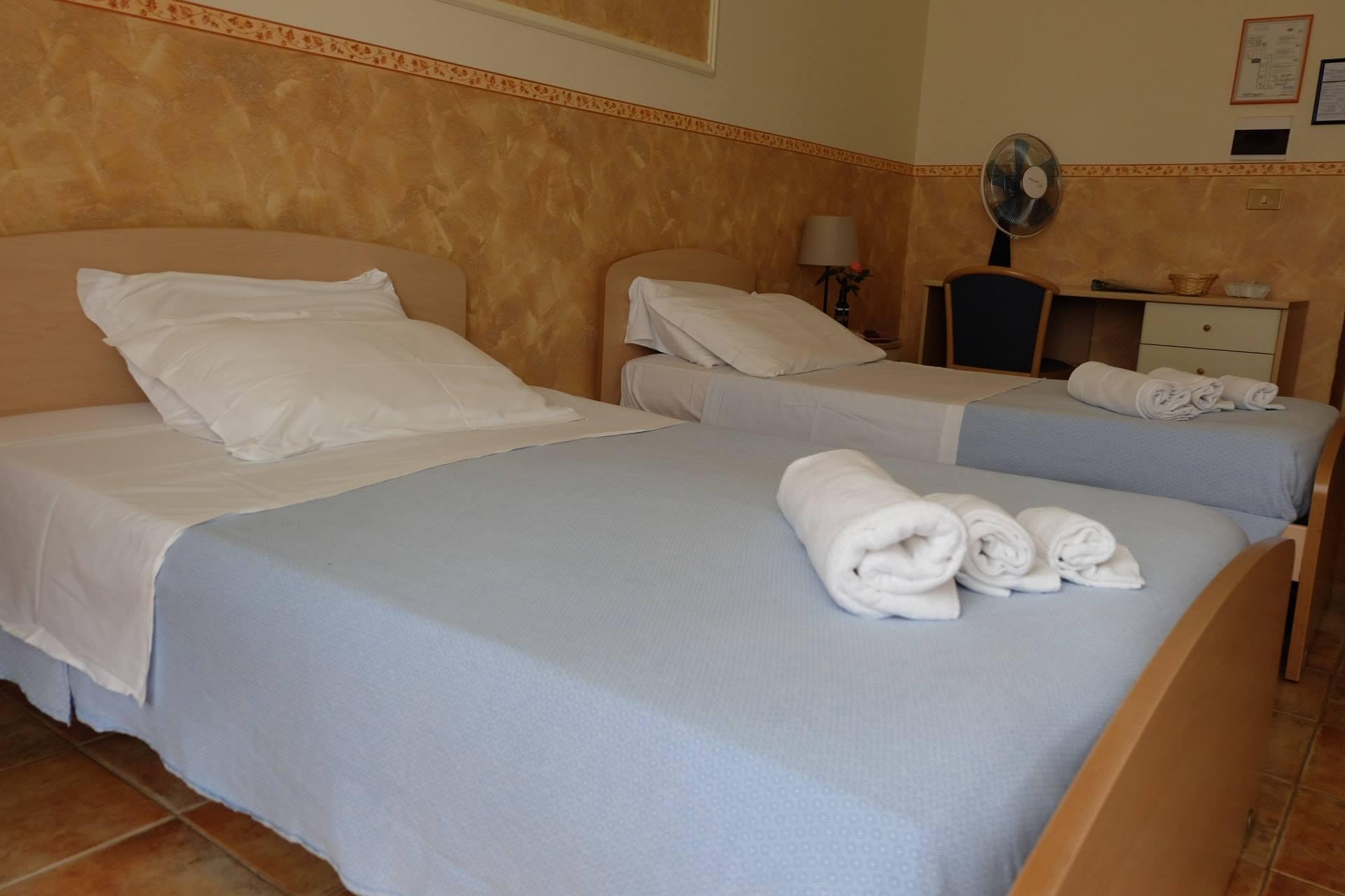 galleria foto camere hostel il tetto melfi ostello dormire soggiorno vacanze basilicata13