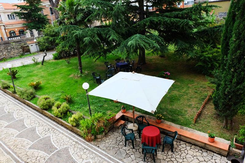 giardino-hostel-il-tettomelfi-ostello-dormire-soggiorno-vacanze-basilicata